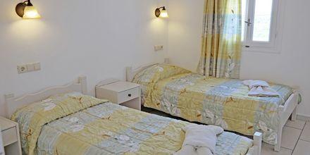 Tvårumslägenhet på hotell 3 Brothers utanför Agia Anna på Naxos, Grekland.
