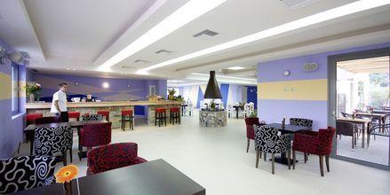 Restaurangen på hotell 4 Epoches på Alonissos, Grekland.