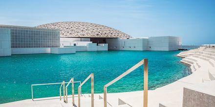 Konstmuseet The Louvre Abu Dhabi öppnade  2017.