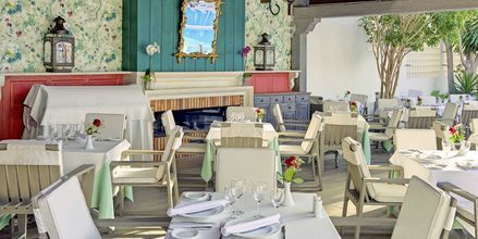 Poolbar på hotell Adrian Colon Guanahani i Playa de las Americas, Teneriffa.