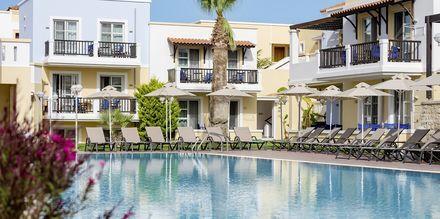 Poolområdet på Aegean Houses i Lambi på Kos, Grekland.