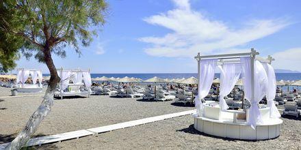 Närmaste strand till hotell Aegean Plaza på Santorini, Grekland.