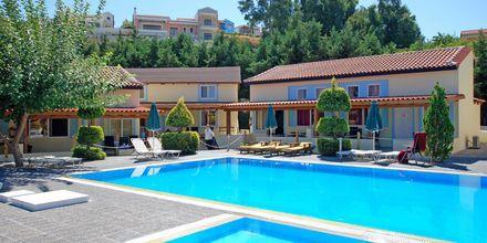 Poolområde på Aegean View Aqua Resort i Psalidi.