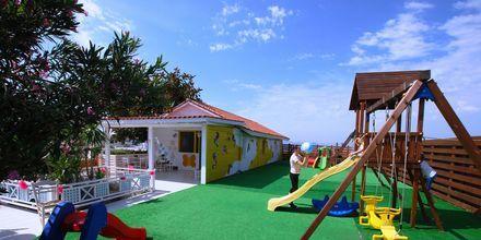 Lekplats på Aegean View Aqua Resort i Psalidi.