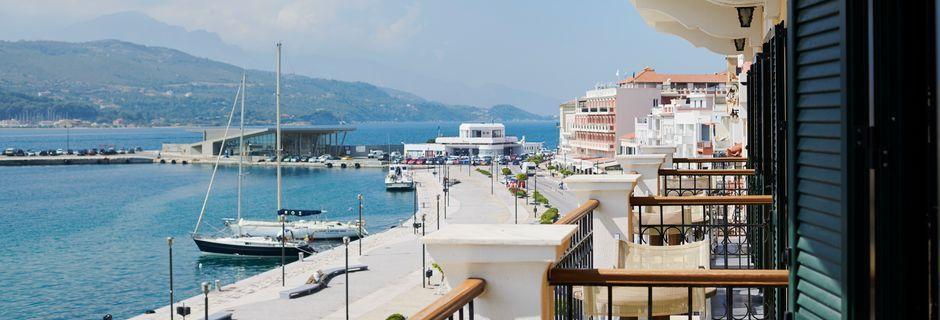 Utsikter från hotell Aeolis i Samos stad.
