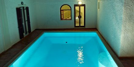 Poolen på hotell Aeolis i Naxos stad, Grekland.