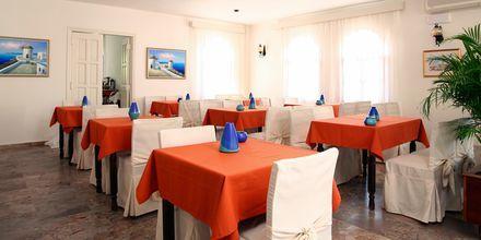 Frukostrestaurang på hotell Aeolis i Naxos stad, Grekland.