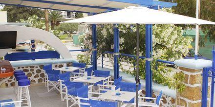 Bar på hotell Aeolos i Karpathos stad.
