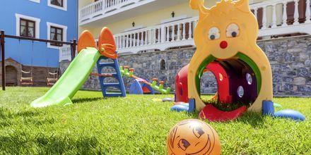 Lekplats på hotell Aeolos på Skopelos, Grekland.
