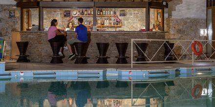 Bar på hotell Aeolos på Skopelos, Grekland.