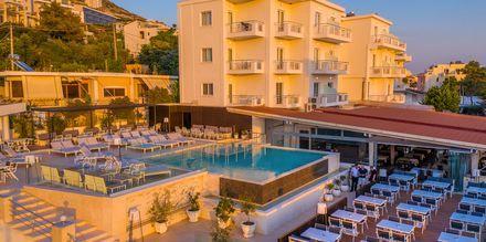 Poolområdet på hotell Agimi & S i Saranda, Albanien.
