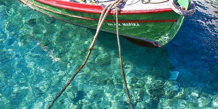 Kristallklart vatten i Agios Nikolaos på Kreta.