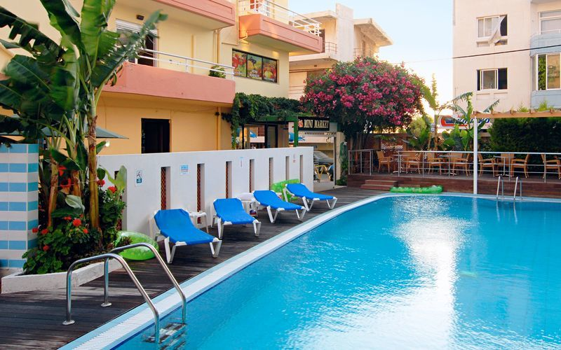 Poolen på hotell Agla i Rhodos stad, Grekland.