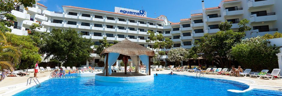 Poolområdet på hotell Aguamar i Los Cristianos på Teneriffa, Kanarieöarna.