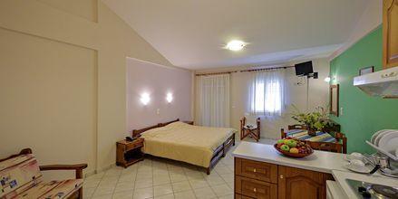 Enrumslägenhet på hotell Aiolos i Stoupa, Grekland.