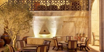Bar på Ajman Saray, a Luxury Collection Resort i Ajman, Förenade Arabemiraten.