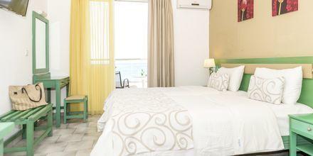 Enrumslägenhet på hotell Akoition i Agia Marina, Kreta.