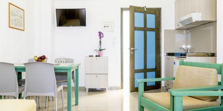 Tvårumslägenhet på hotell Akoition i Agia Marina, Kreta.