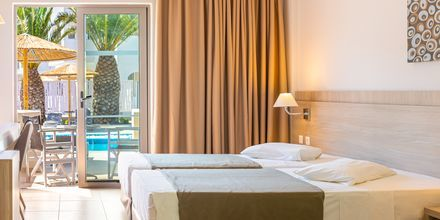 Deluxerum med delad pool på hotell Akti Beach Club på Kos, Grekland.