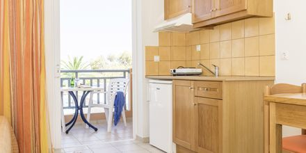 Enrumslägenhet på hotell Akti Chara i Rethymnon på Kreta, Grekland.