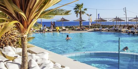 Poolområdet på hotell Akti Palace i Kardamena på Kos, Grekland.