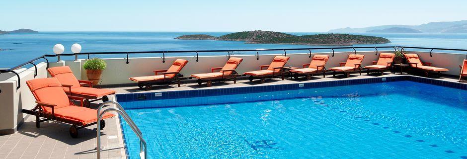 Poolen på lägenhetshotellet Alantha i Agios Nikolaos på Kreta.