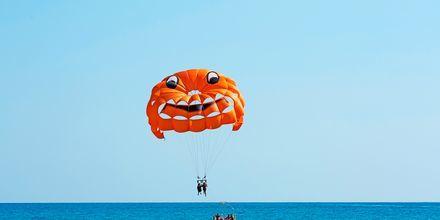 I Alanya finns det gott om vattensporter vid stranden.