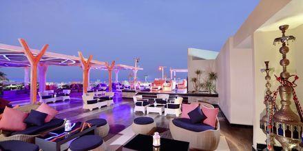 Red Sky Bar med Shisha-hörna på Albatros White Beach Resort i Hurghada.