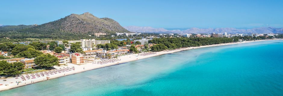 Stranden i Alcudia och Playa de Muro är tillsammans över 15 kilometer lång.