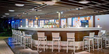 Bar på hotell Aldemar Olympian Village i Skafidia, Grekland.