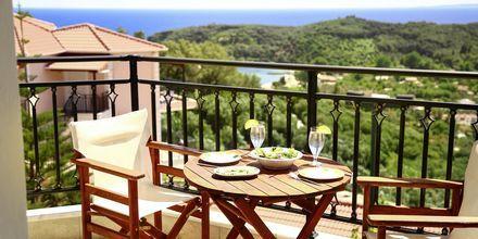 Utsikten från vissa av enrumslägenheterna och tvårumslägenheterna  på hotell Alea i Parga, Grekland.