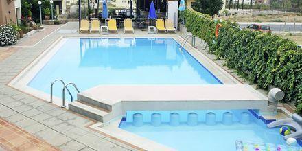 Poolen på hotell Alexandros M i Maleme på Kreta.