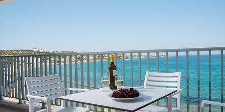 Havsutsikt från rum på hotell Alia Beach i Hersonissos, på Kreta.