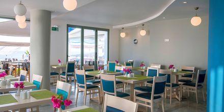 Frukostbuffé på hotell Alia Beach i Hersonissos, på Kreta.