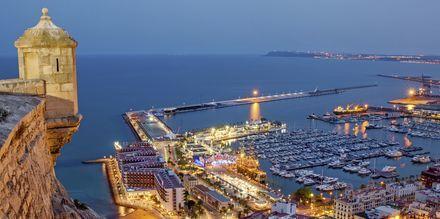 Alicante på kvällen.
