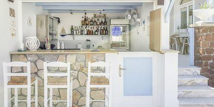 Bar på hotell Alkyon på Santorini i Grekland.