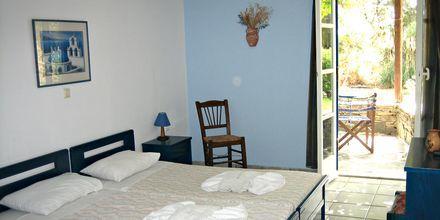 Dubbelrum på hotell Alkyloni Beach i Naxos stad på Naxos, Grekland.