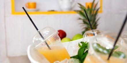 Färskpressad juice på Mondo Café på Hotell Mythos Beach Resort i Afandou på Rhodos.