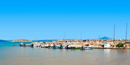 Den lilla hamnen i Almyrida på Kreta.