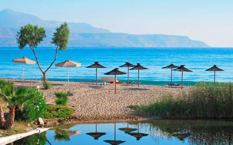Stranden i Kalives på Kreta.