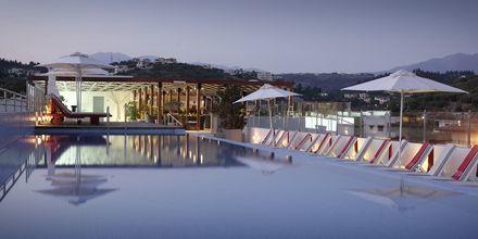 Takpoolen på Almyrida Residence, Kreta.