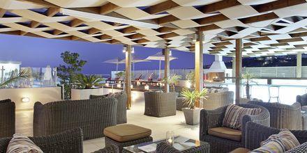 Baren på takterrassen på Almyrida Residence, Kreta.
