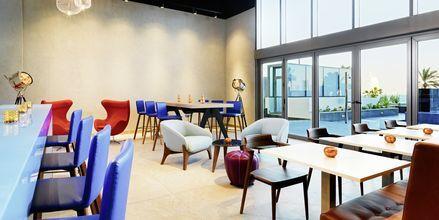 Baren W XYZ (SM) på hotell Aloft Palm Jumeirah, Dubai.