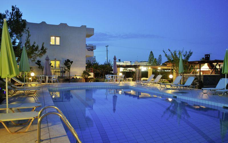 Poolen på hotell Altis, Kreta.