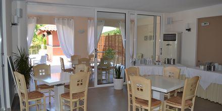 Restaurangen på hotell Ammos Bay i Ammoudia, Grekland.