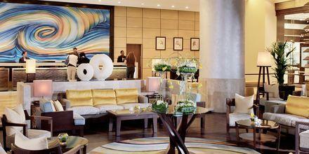 Lobby på Amwaj Rotana Jumeirah Beach i Dubai, Förenade Arabemiraten.