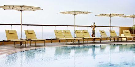 Pool på Amwaj Rotana Jumeirah Beach i Dubai, Förenade Arabemiraten.