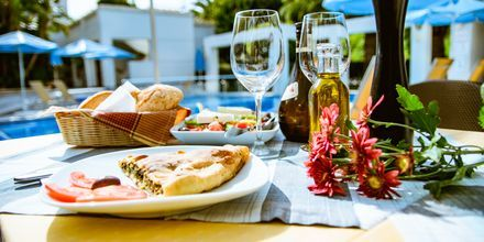 Snackbar på hotell Anais Holiday i Agii Apostoli på Kreta, Grekland.