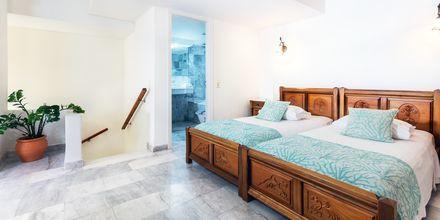 Tvårumslägenhet i etage på hotell Anais Holiday i Agii Apostoli på Kreta, Grekland.