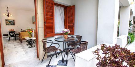 Tvårumslägenhet på hotell Anais Holiday i Agii Apostoli på Kreta, Grekland.